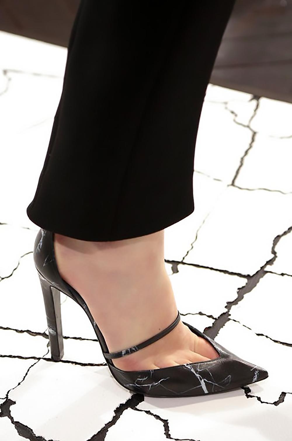 style.com balenciaga fall 2013 details sexy shoes 1500.jpg