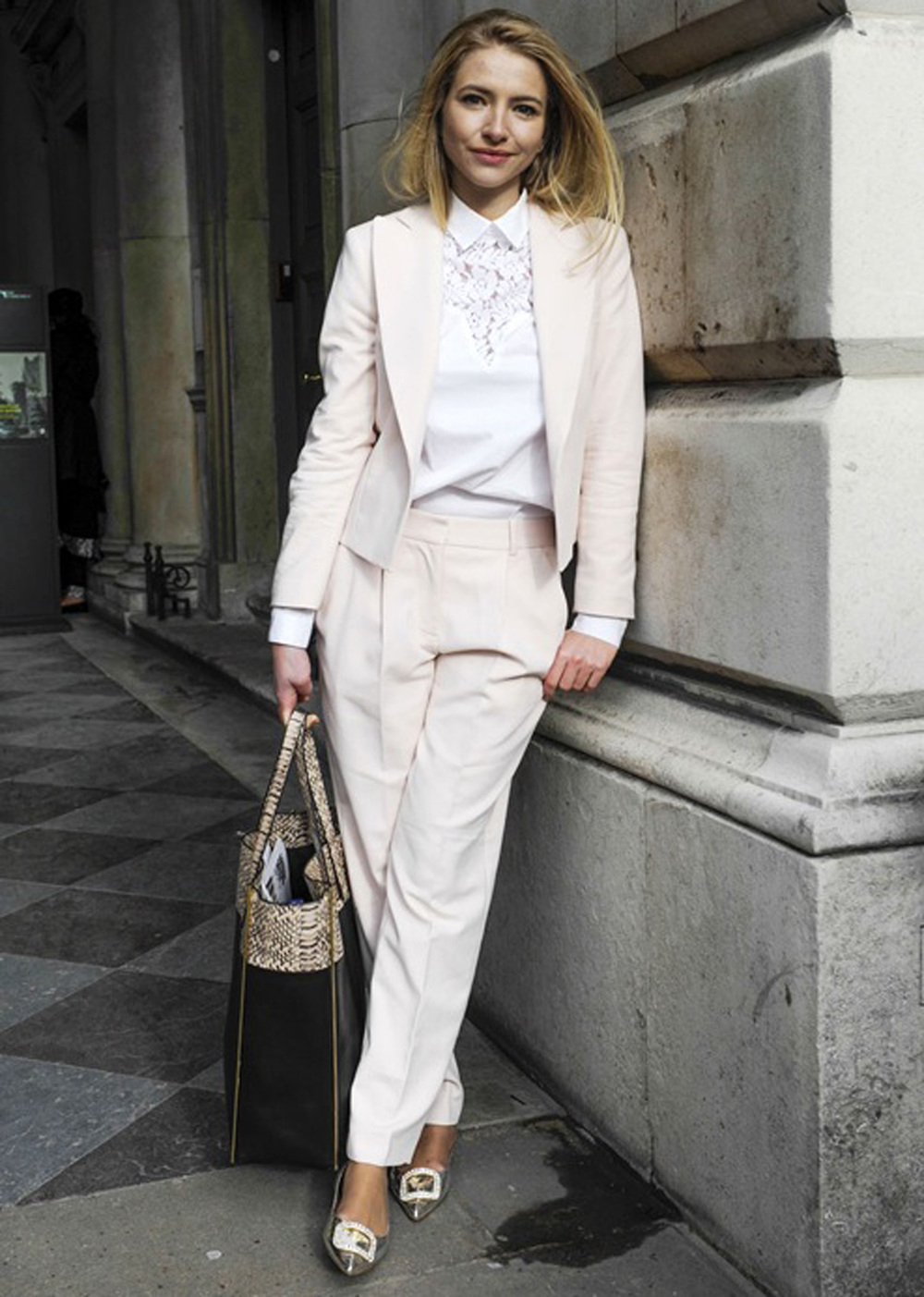 elle canada fed 19 2014 street style 10 perfect boy meets girl looks white shirt 1500.jpg