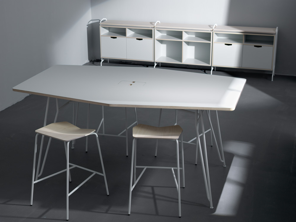 ...som blev inspiration till en studioplåtning för möbelkund.