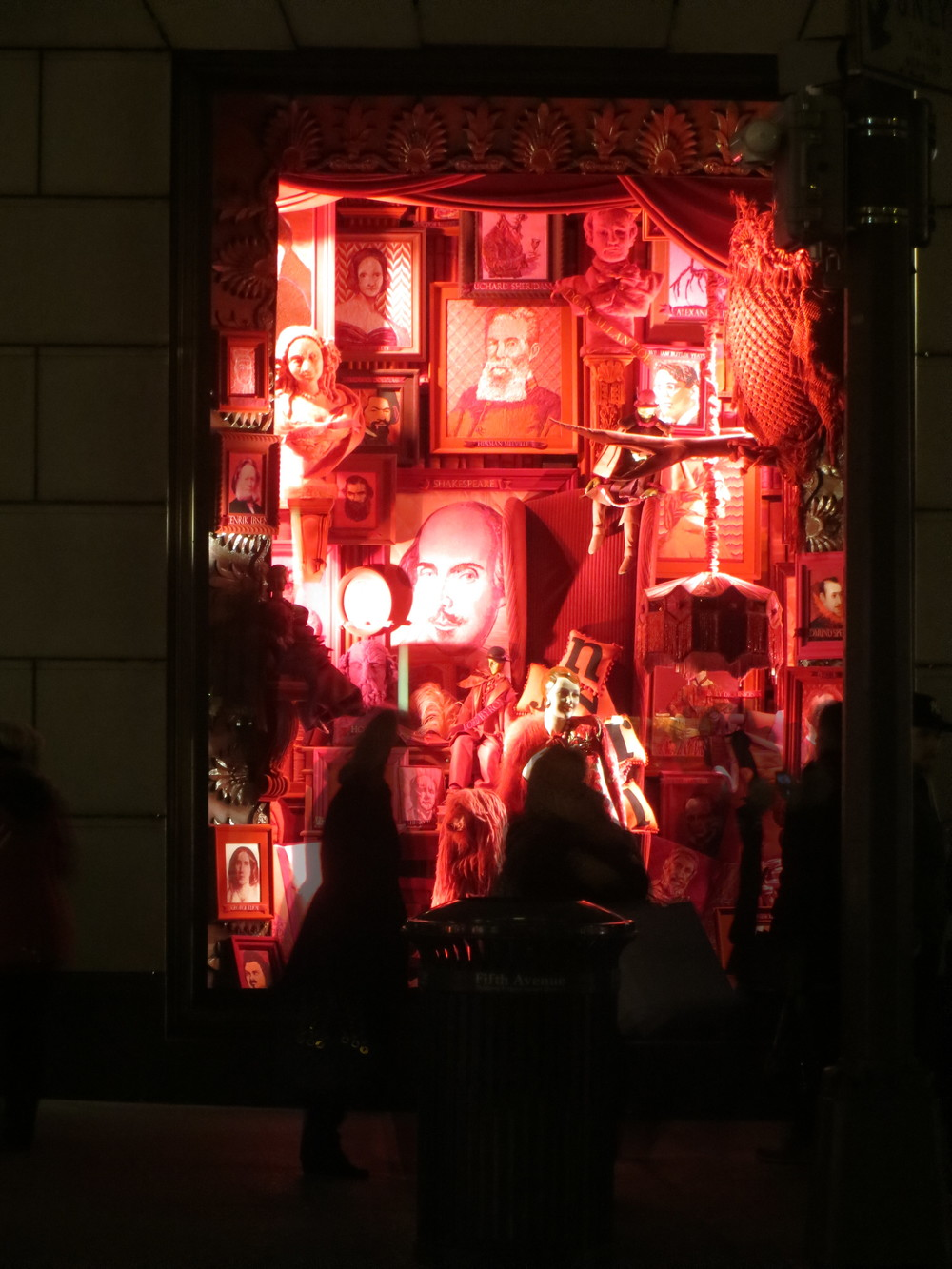 Holiday window (night)