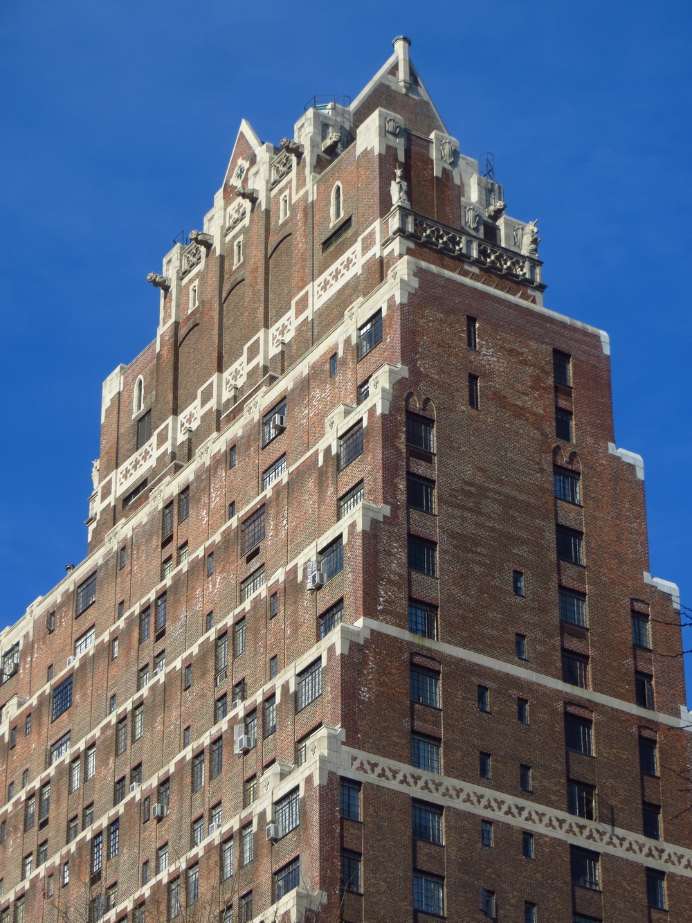 Tudor City building