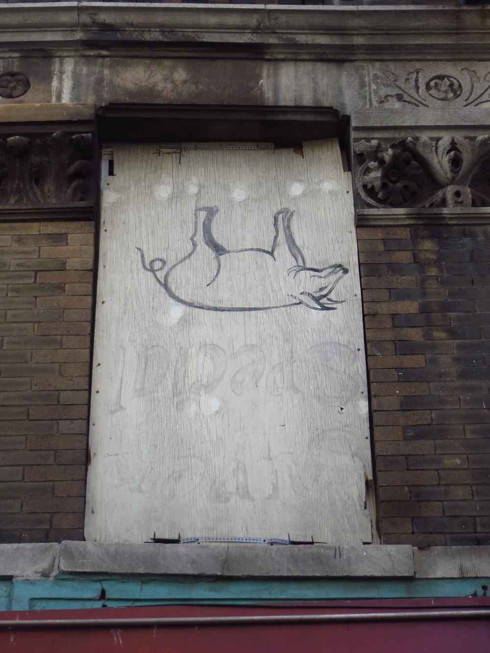 Upside-down pig