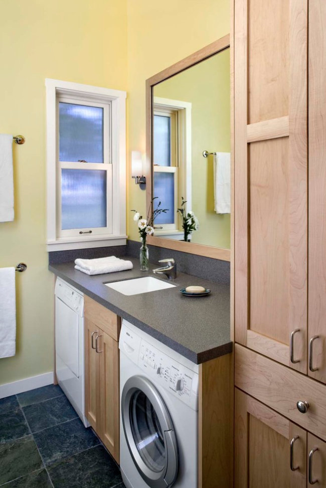 Bathroom Custom Cabinetry 20.jpg