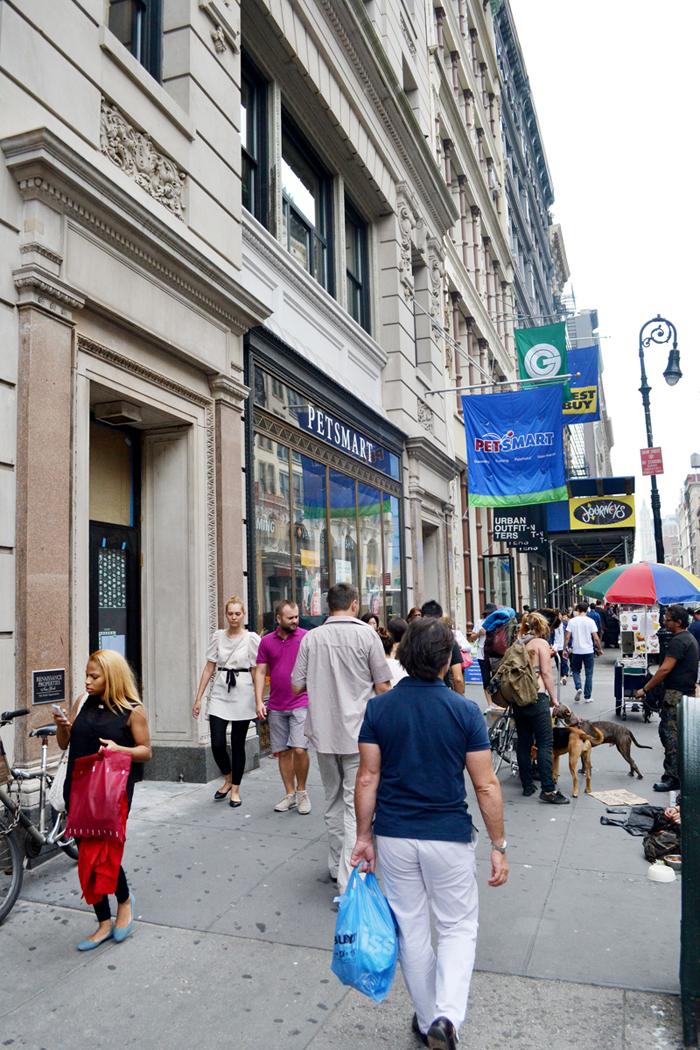 6 Street Entrance Lo.jpg