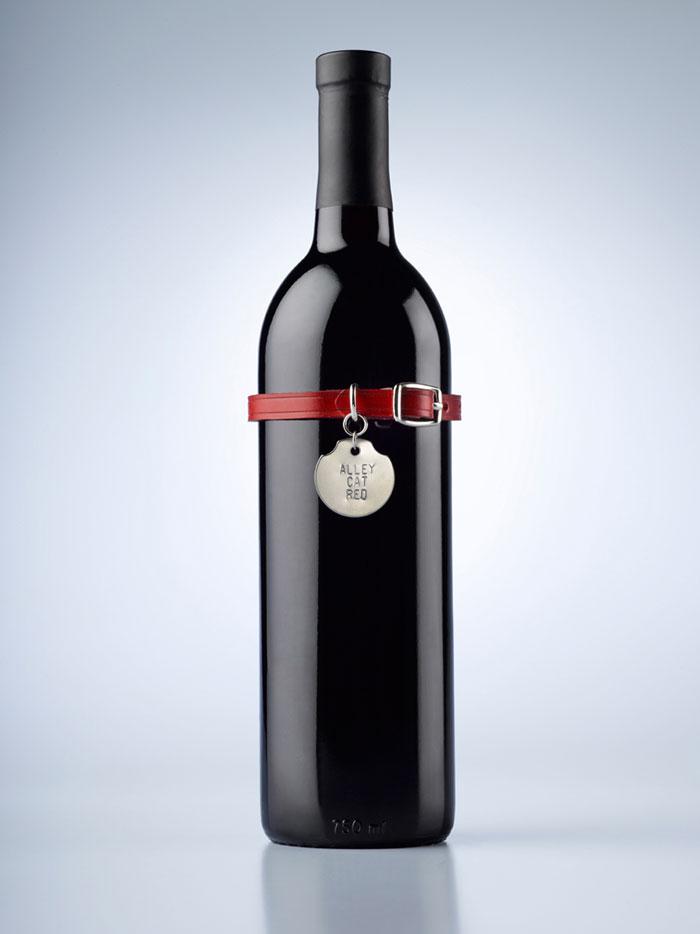Winebottle Alleycatred bottle