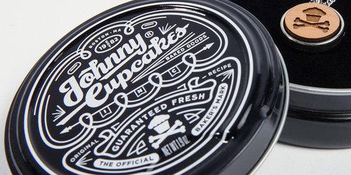 05_08_13_johnnycupcakes_tin_1.jpg