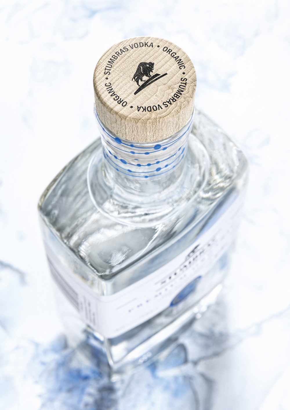 Stumbras_Vodka_Premium_Organic_4_2400px.jpg