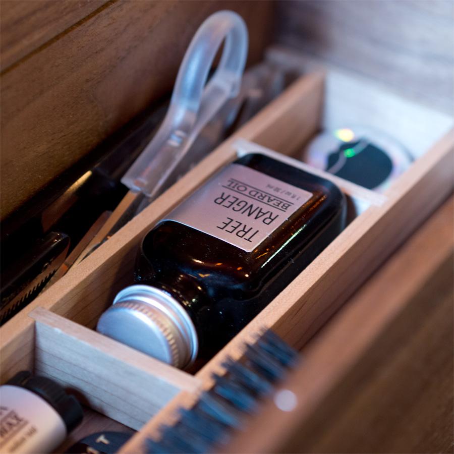 beardbrand the dieline branding packaging design. Black Bedroom Furniture Sets. Home Design Ideas