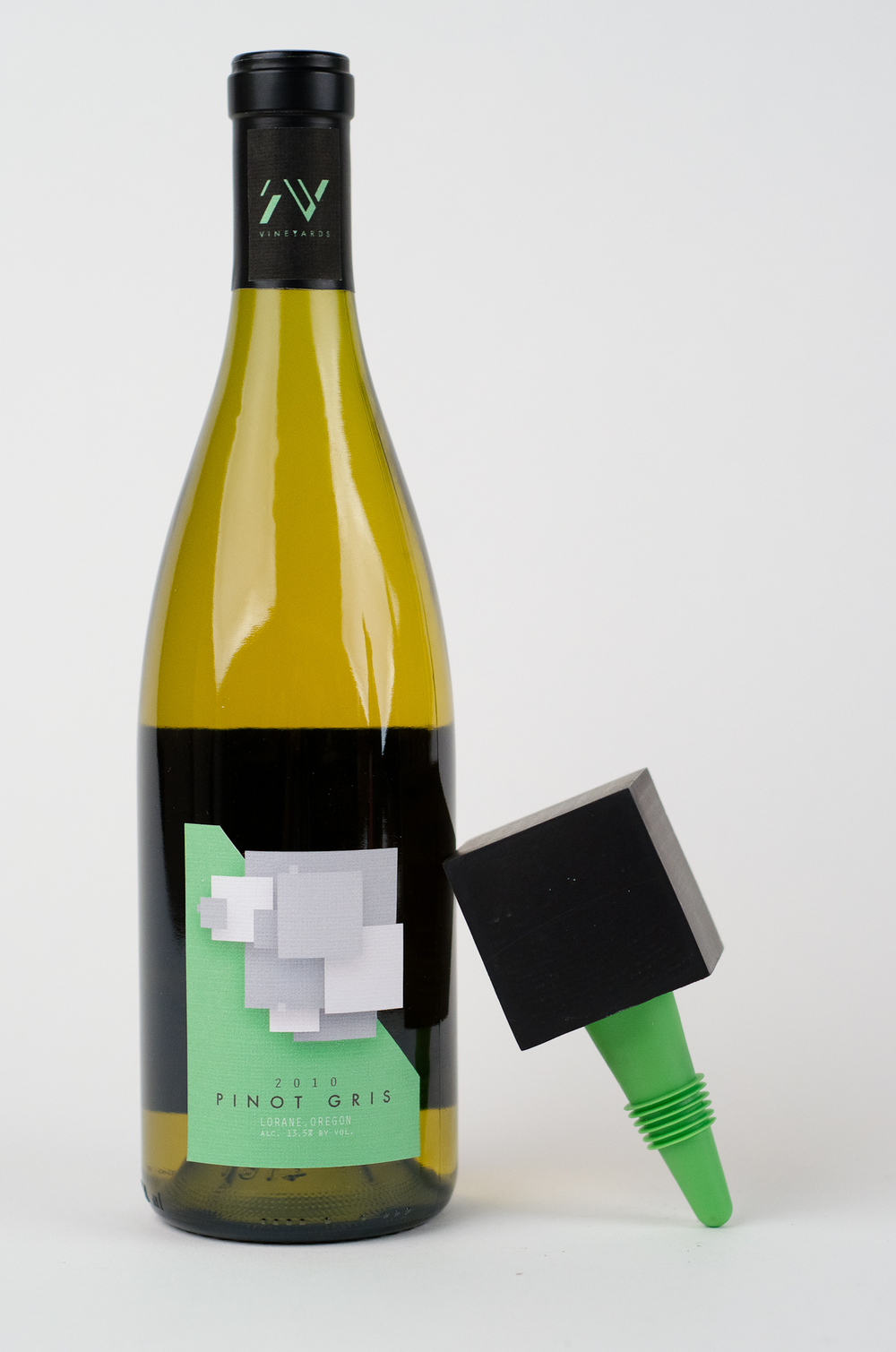 Brcic_Swallowtail_Wine_Design-5.jpg