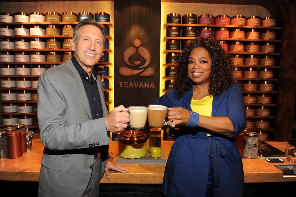 Howard_Schultz_and_Oprah_Winfrey_celebrating_the_launch_of_Teavana_Oprah_Chai.JPG