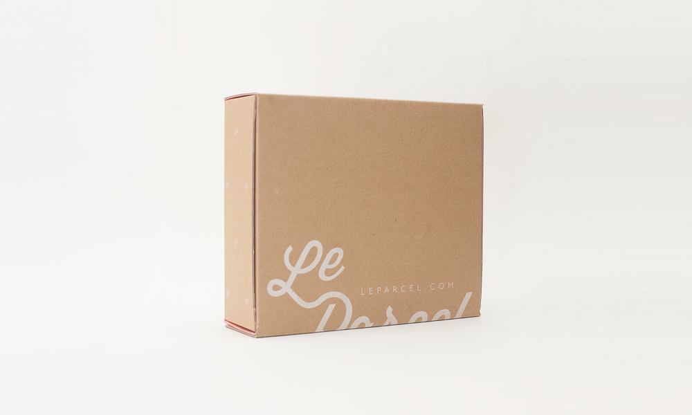 LeParcel_box_front_quarter_turned.png