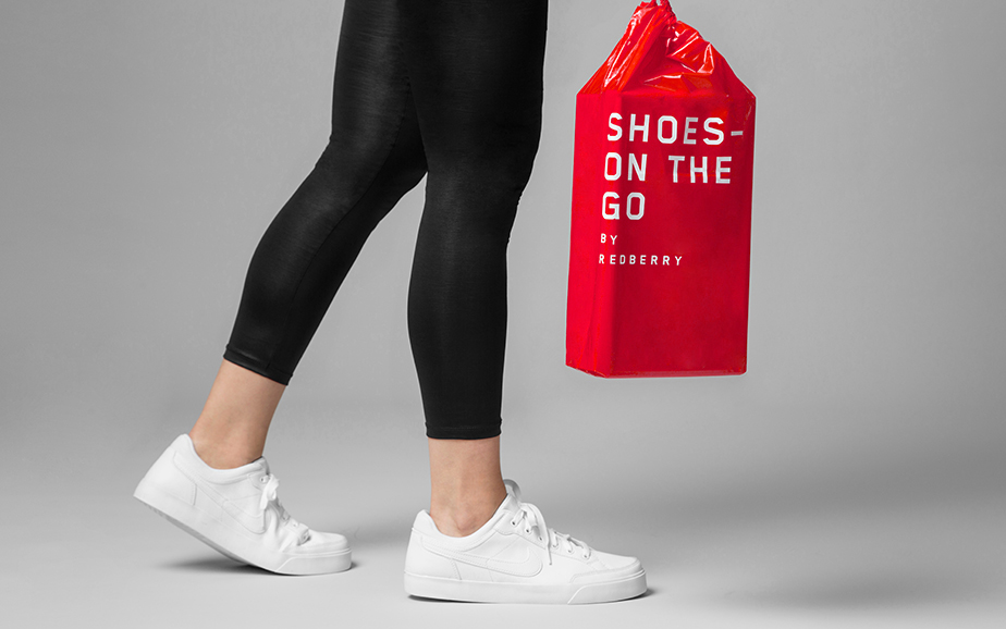 Shopping bag + shoe box