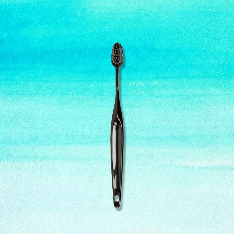 Poketocharcoal toothbrush