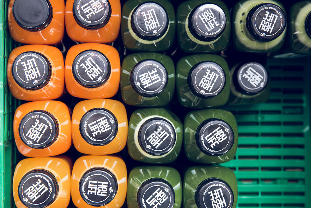 corporate-identity-brand-design-cold-pressed-juice-heylife-allink-11.jpg