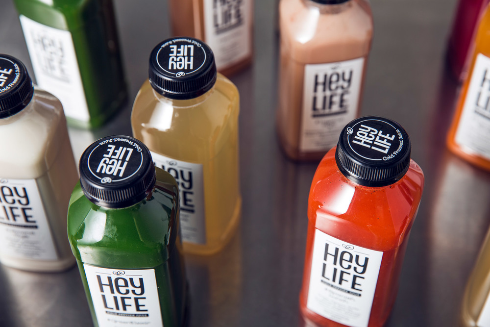 corporate-identity-brand-design-cold-pressed-juice-heylife-allink-09.jpg