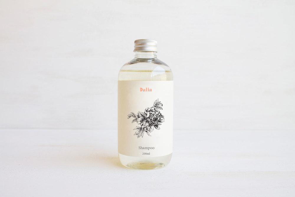 dalia-shampoo.jpg