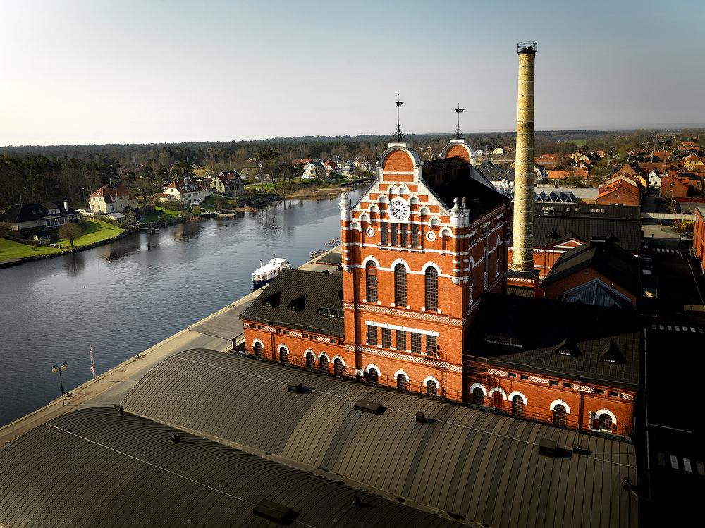 Åhus distillery_exterior.jpg