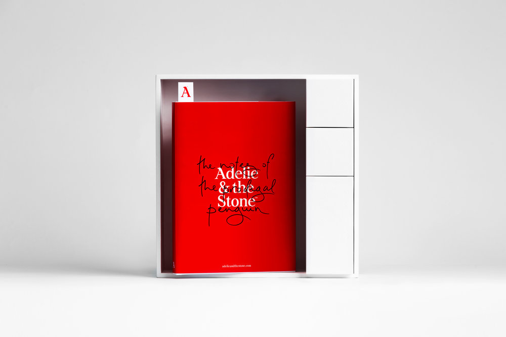 Adelie_and_the_stone_37.jpg