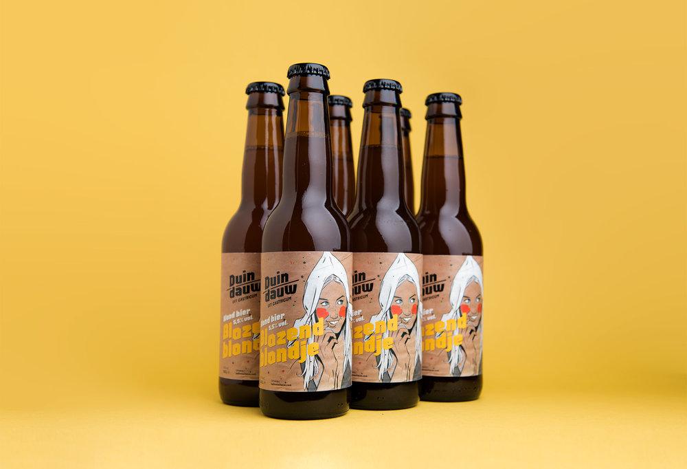 Duindauw_Blozend_blondje_bier_03.jpg