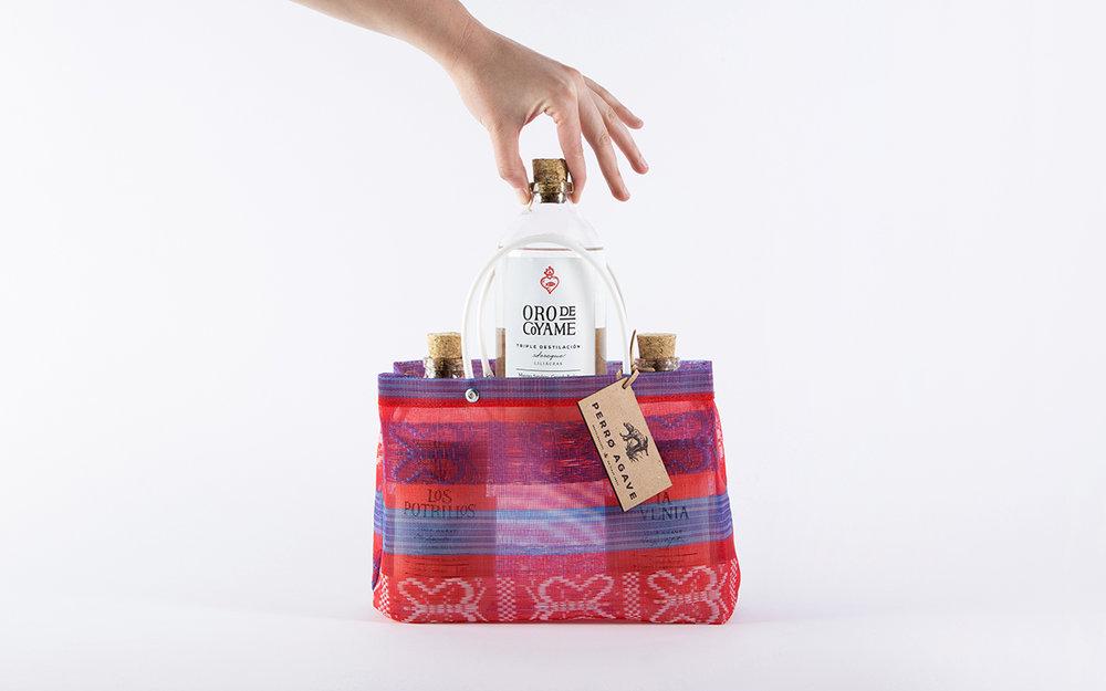 bag_front_holding_bottle.jpg