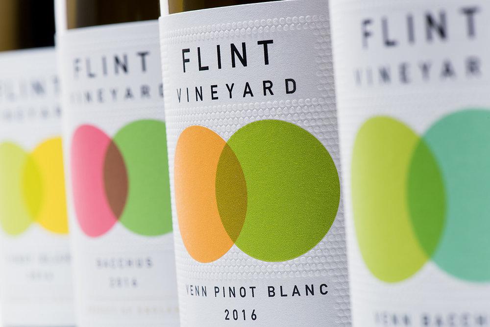 Flint_Bottles_0014_fr.jpg