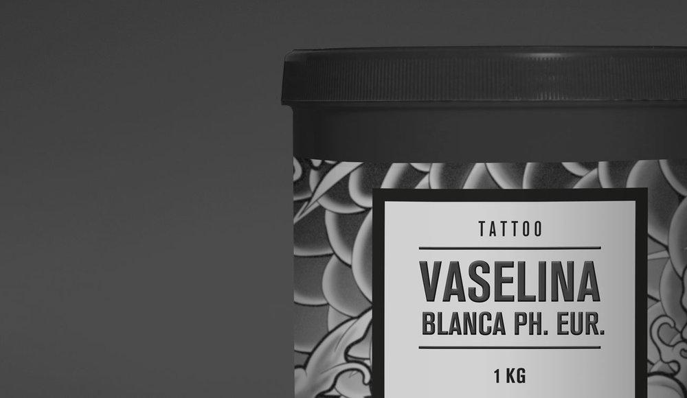 Vaselina_blanca-Rufner-Mockup-02-web.jpg