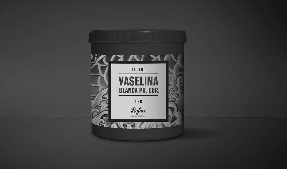 Vaselina_blanca-Rufner-Mockup-web.jpg