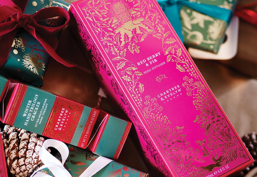 SiblingCo_CrabtreeEvelynChristmas2017_4_Gifts.jpg