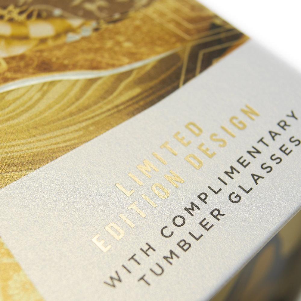 Johnnie_Walker_Gold_Label_by_MW_Luxury_Packaging-8.jpg