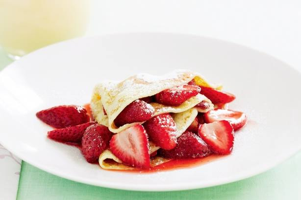 Our healthy and absolutely delicious  sugar-free  strawberry crepes. Get the recipe  here .