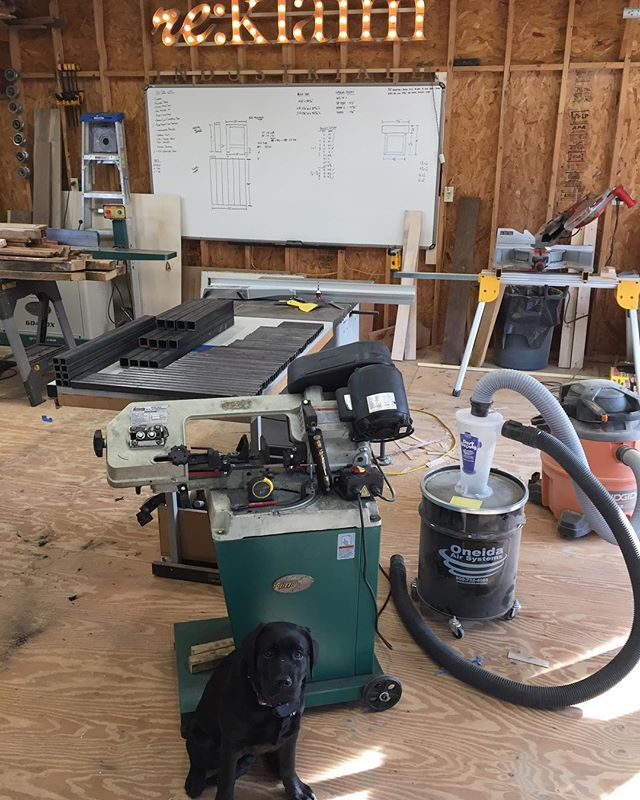 Did someone order some metal?  Shop mascot is protecting that @grizzlyindustrial bandsaw haha. Also like to point out how amazing the Oneida Dust Deputy has been hooked up to our Ridgid Shop Vac. Almost no dust makes its way past the precollector anymore. Really saves your filters and shop vac motor.  #reklaimindustriale #metal #bandsaw #grizzly #grizzlytools #labsofinstagram #dog #blacklab #oneida #dustdeputy #ridgid #milwaukee #stanley