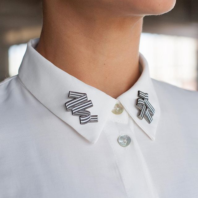 Pins on collars: yay or nay?? My fiancé thinks this is silly, but I kinda like it. (Photo: @alexisbullockdesigns)