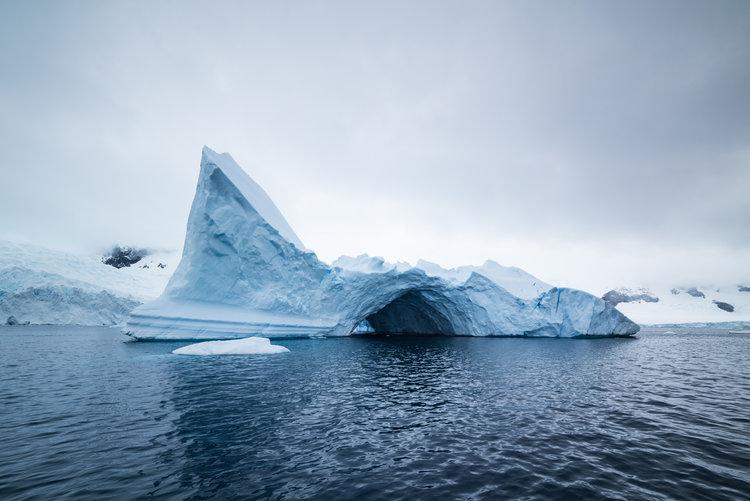 """Lincoln""  Iceberg,  Antarctica : 64°43'56"" S 62°33'8"" W."