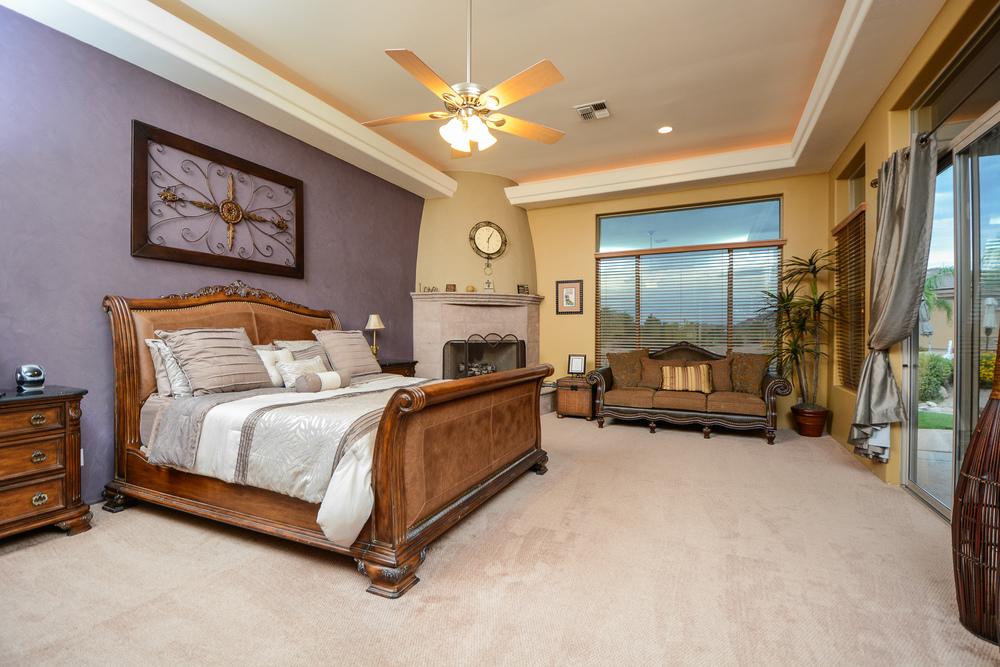 19- MASTER BEDROOM.jpg