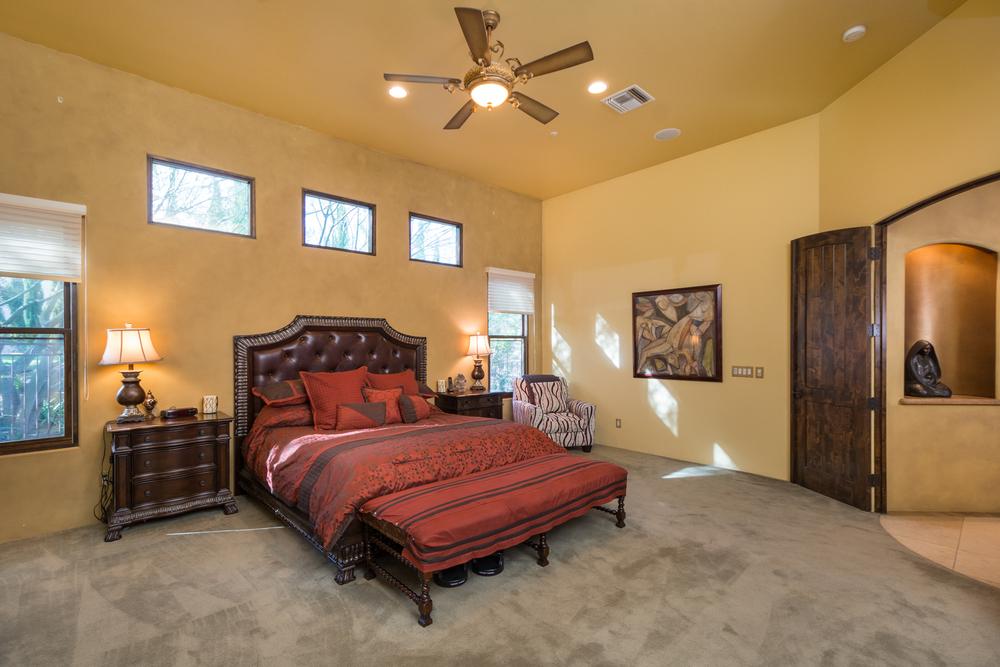 20- Master Bedroom.jpg