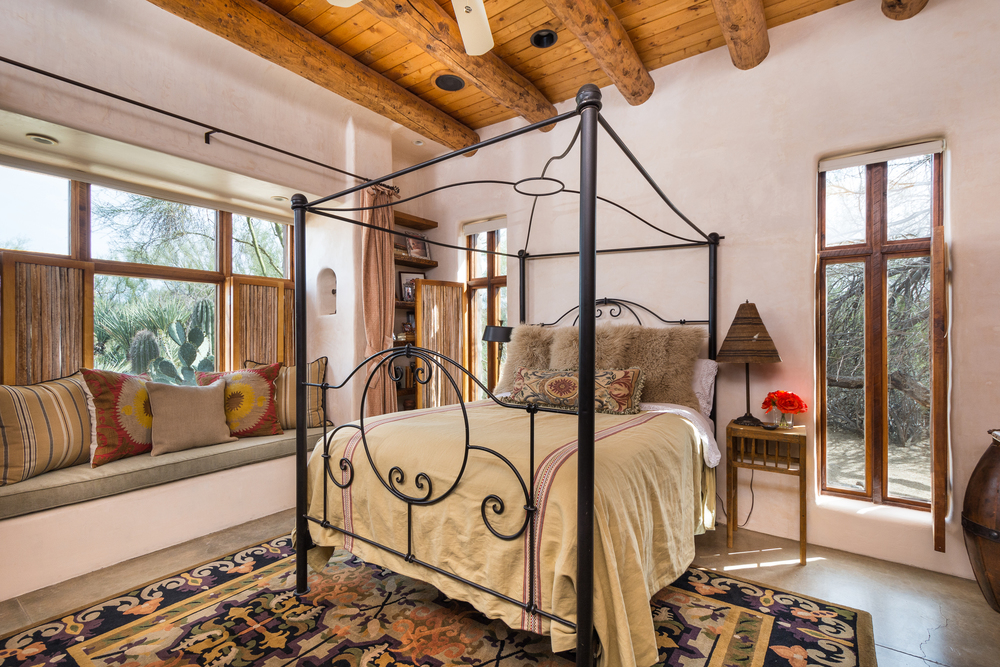 17- Guest Bedroom.jpg