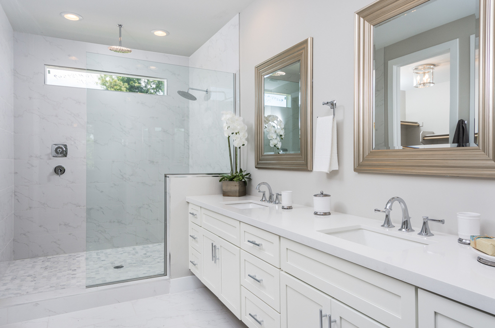 16- Master Bathroom.jpg