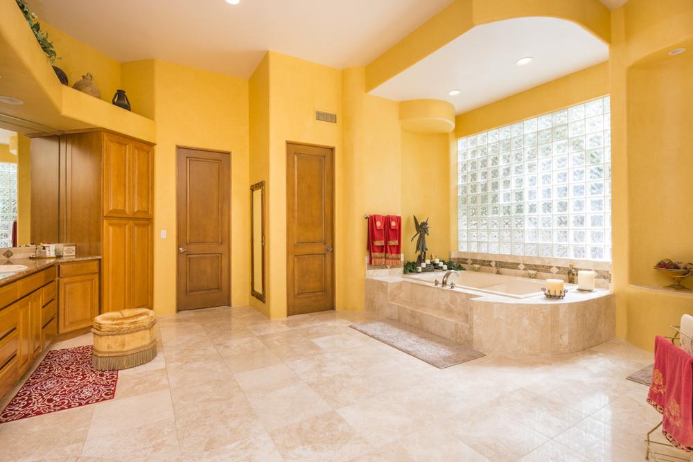 22- Master Bath.jpg