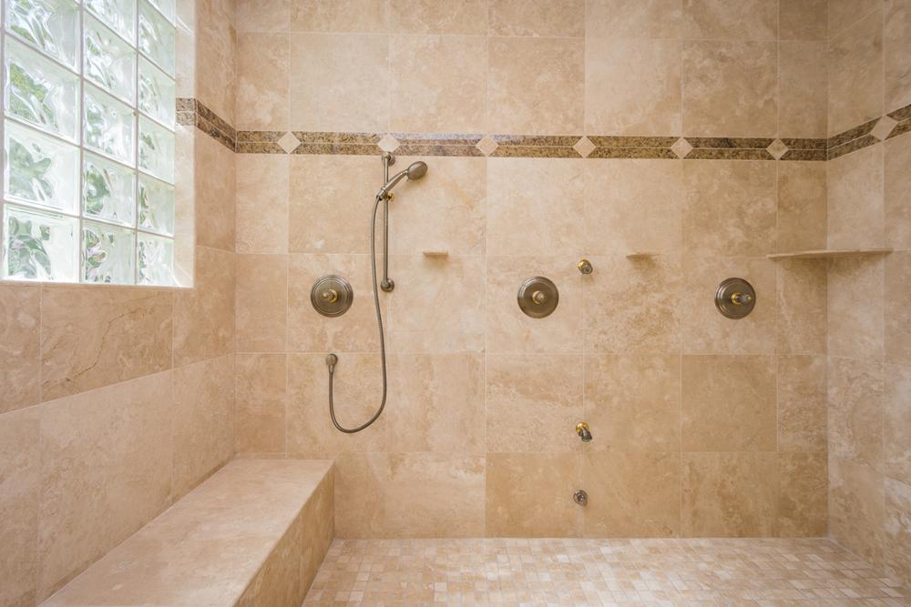 25- Master Shower.jpg
