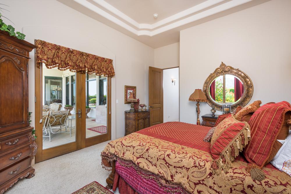 45- Bed 2 Suite.jpg