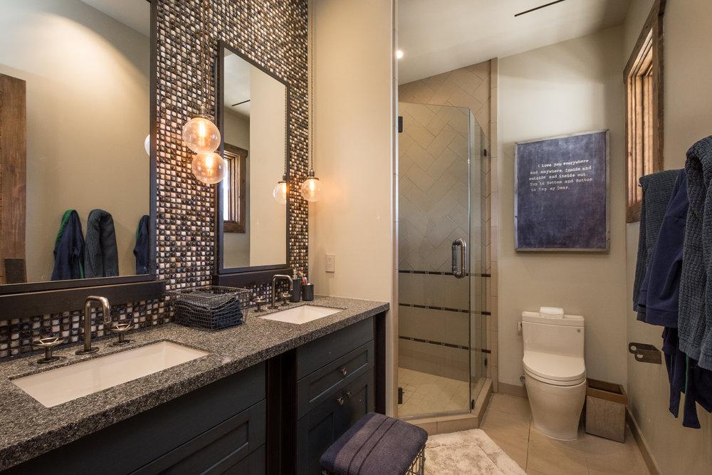 35- Suite Bath.jpg