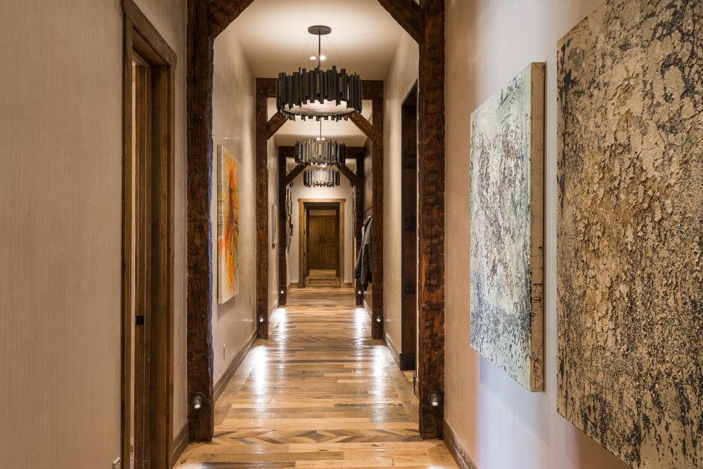 36- Hallway.jpg