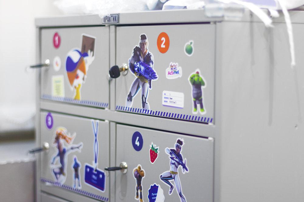 Наклейки на ящики для детей