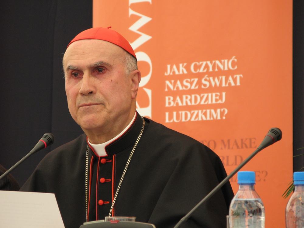 Cardinal_tarcisio_bertone.JPG