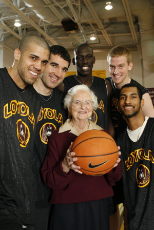 - 94-year-old basketball chaplain puts the fun in nun