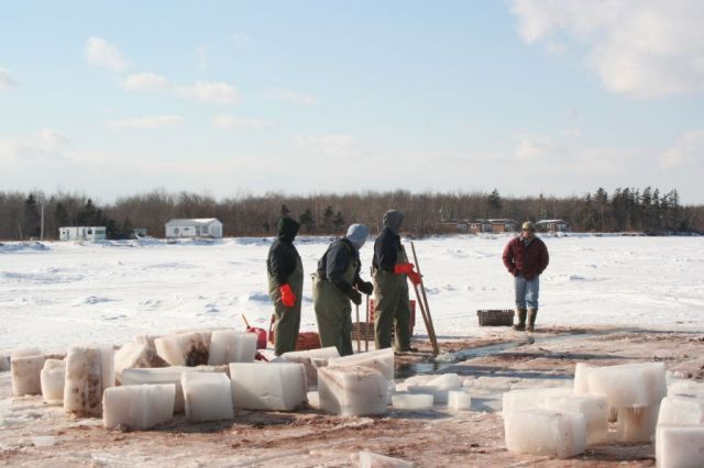 Ice_Fishing_044.jpg