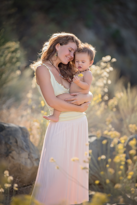 West London Baby Photographer Ninna Breastfeeding