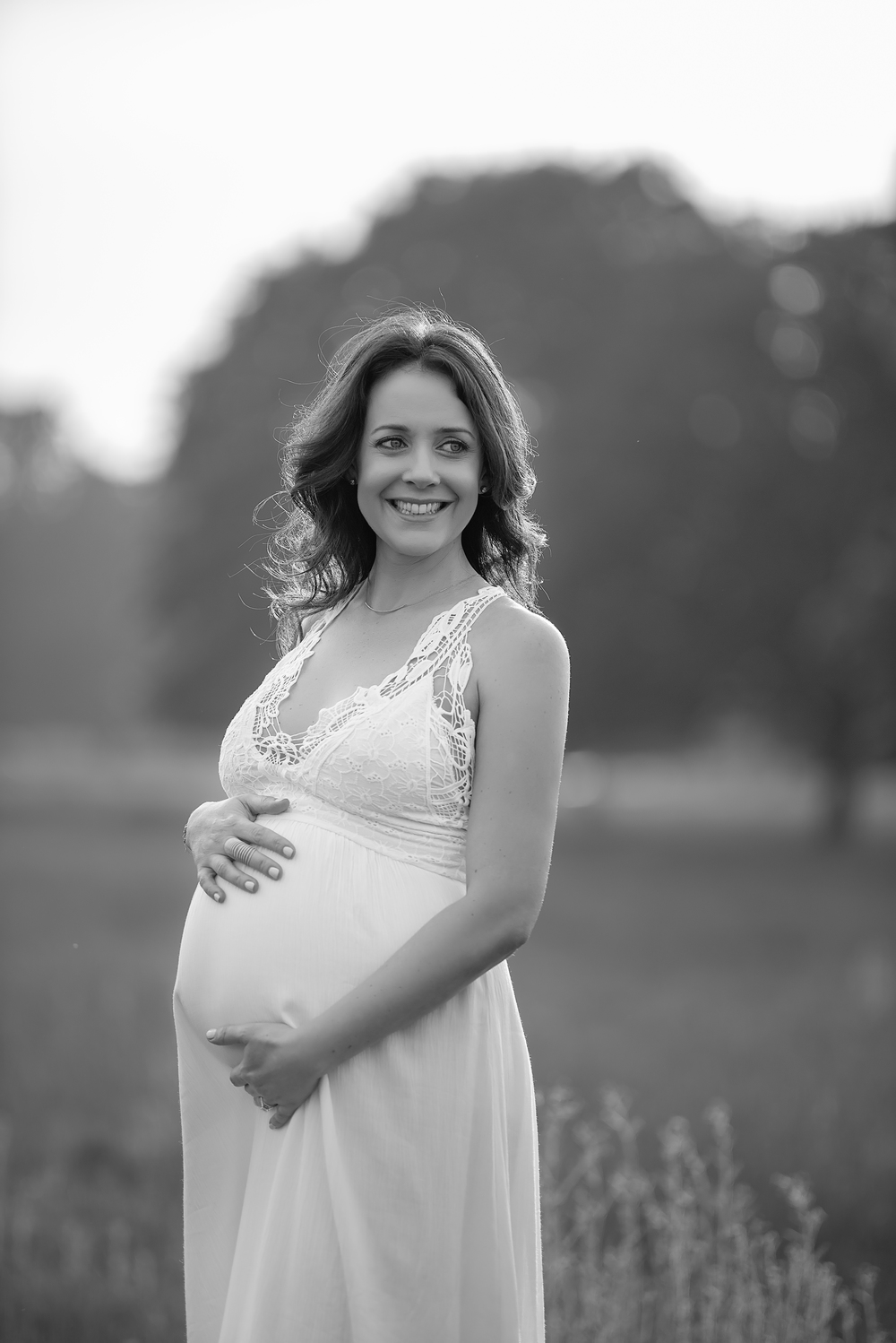 Black and white pregnancy photography | London
