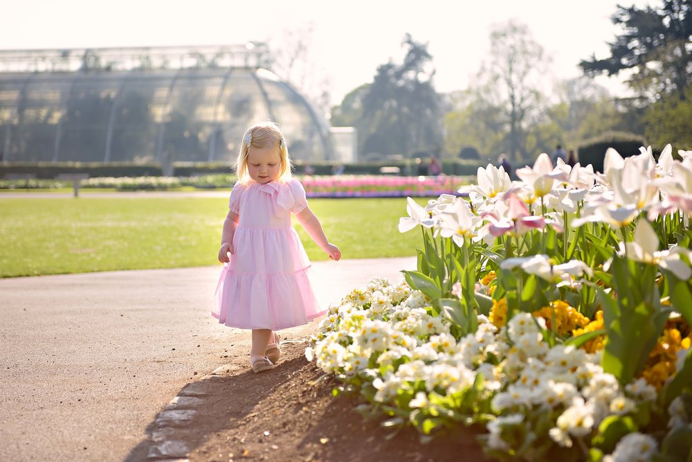 Walking around the tulip beds, Palm House in the background...
