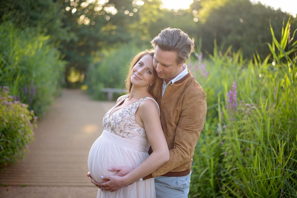 maternity photo shoot clothing ideas